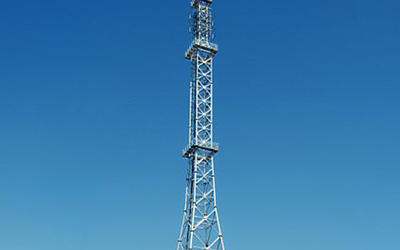 Vinkel och Tubular Steel TV Tower