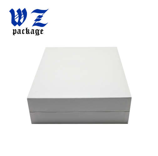 White Magnetic Rigid Cardboard Cosmetic Gift Set Packaging Box