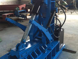 Waste tire scrapping machine