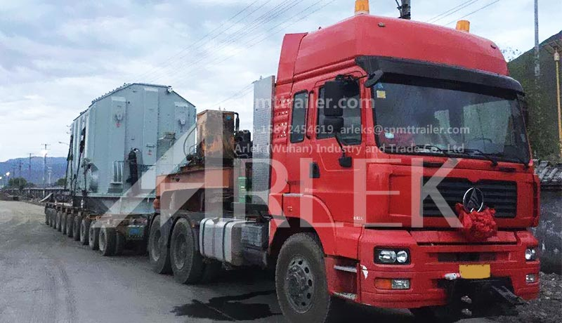 420B heavy trucks plus hydraulic combination trailer have galloped on the Qinghai-Tibet plateau