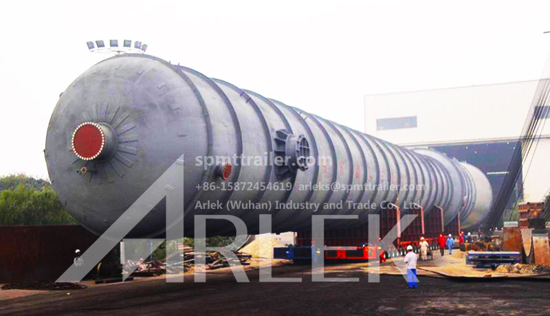 Our SPMT (red) and Germany SCHEUERLE SPMT (blue) transport 1100 tons of chemical tanks