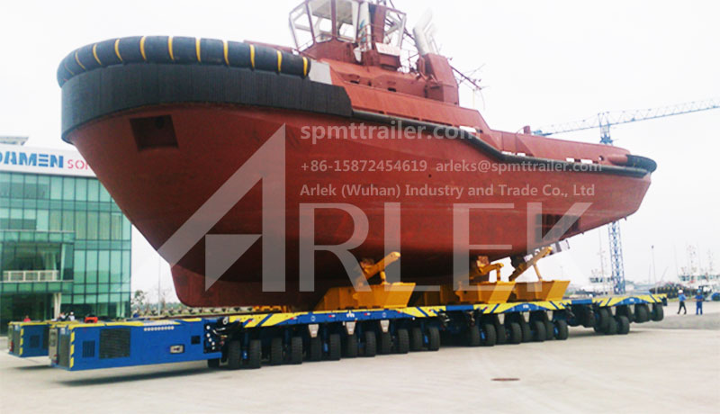 A 28 axle lines SPMT exported to Vietnam was transporting towboat