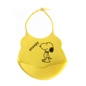 Wholesale Soft Silicone Bibs Spend Less Time Cleaning After Meals