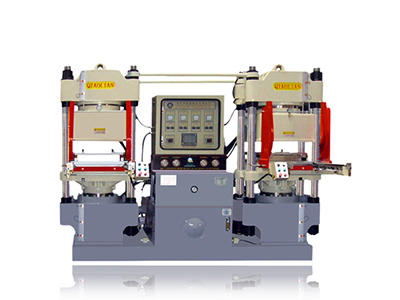Double workstation vacuum compression molding machine with automatic mold opening