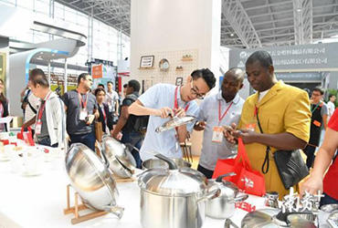 It is expected that there will be more than 5000 merchants and professionals in knife& Scissor industry