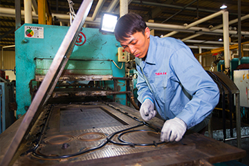 Plate sealing production