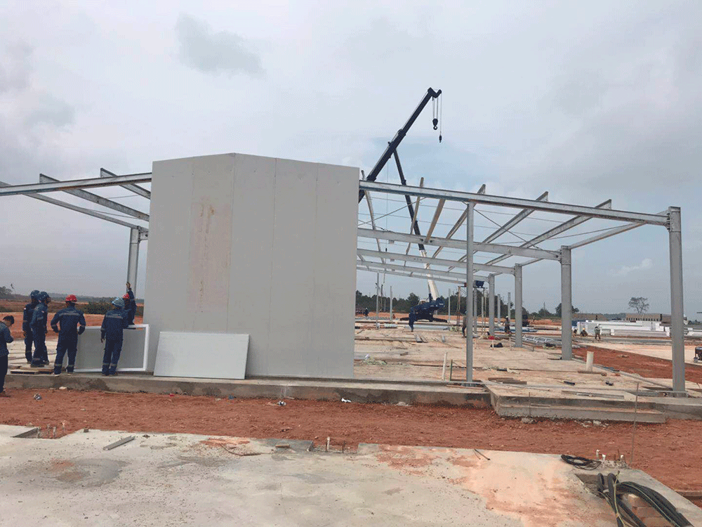 Color steel sandwich panels were installing on the worksite