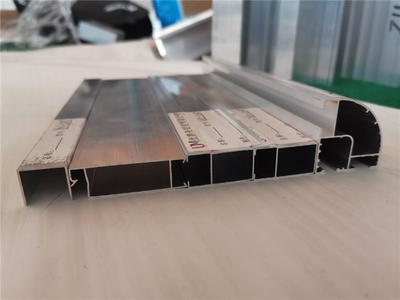 0.8mm sliding Windows Aluminium Windows and Doors