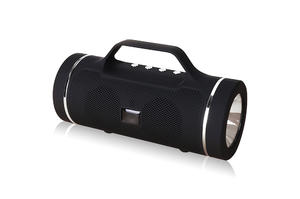 2019 portable speaker with Handle supports Micro SD card / USB flash drive / FM radio /AUX IN functions for outdoor gift flashlight speaker