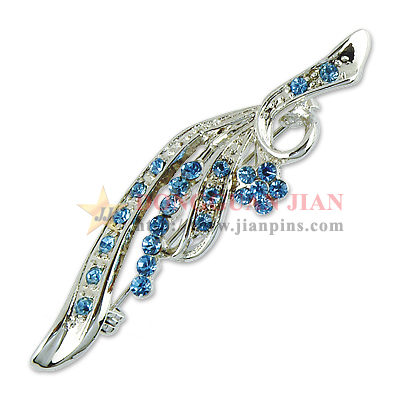 Fine Quality Pewter Brooch