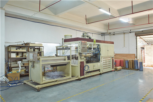 vac forming machine