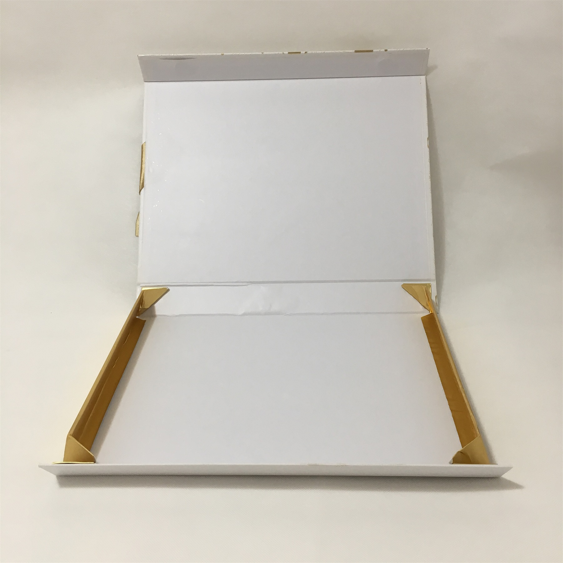 foldable rigid gift box