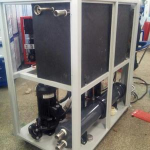 industrial water cooling chiller system in Polyurethane spraying