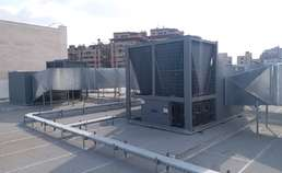 professional installation of Packaged Rooftop Air Condition on the  top