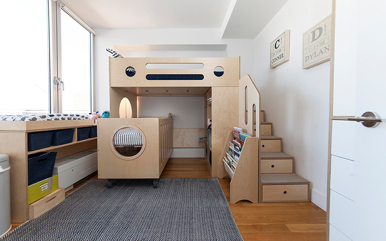 Change TATAMI wooden children bed size to queen size and wardrobe to smaller