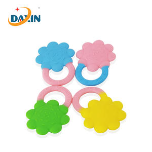FDA/BPA Free Food Grade Easy Grip Silicone Flower Baby Teether Ring Wholesale Factory