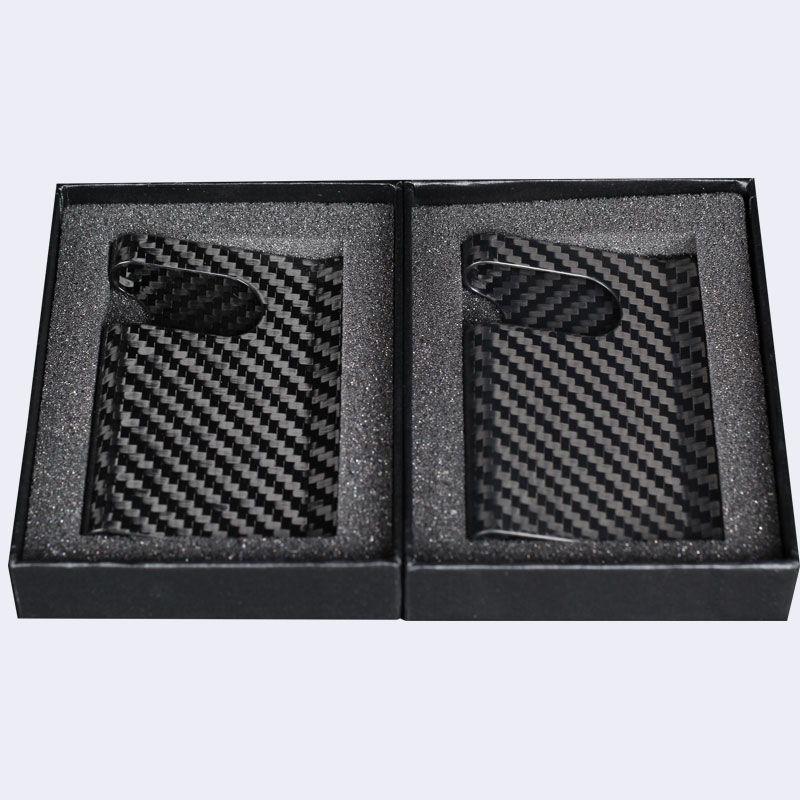 Business necessity ,Carbon fiber business card holder can make you proud for yourself