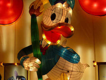 linternas luminosas-Animación-Mickey Mouse-The Chronological Donald