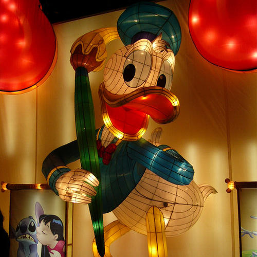 glow lanterns-Animation-Mickey Mouse-The Chronological Donald