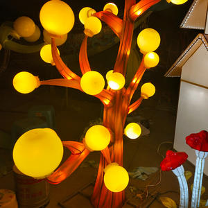Chinese Lantern Art And Craft-The Glistening Tree In The Fairy Tale World