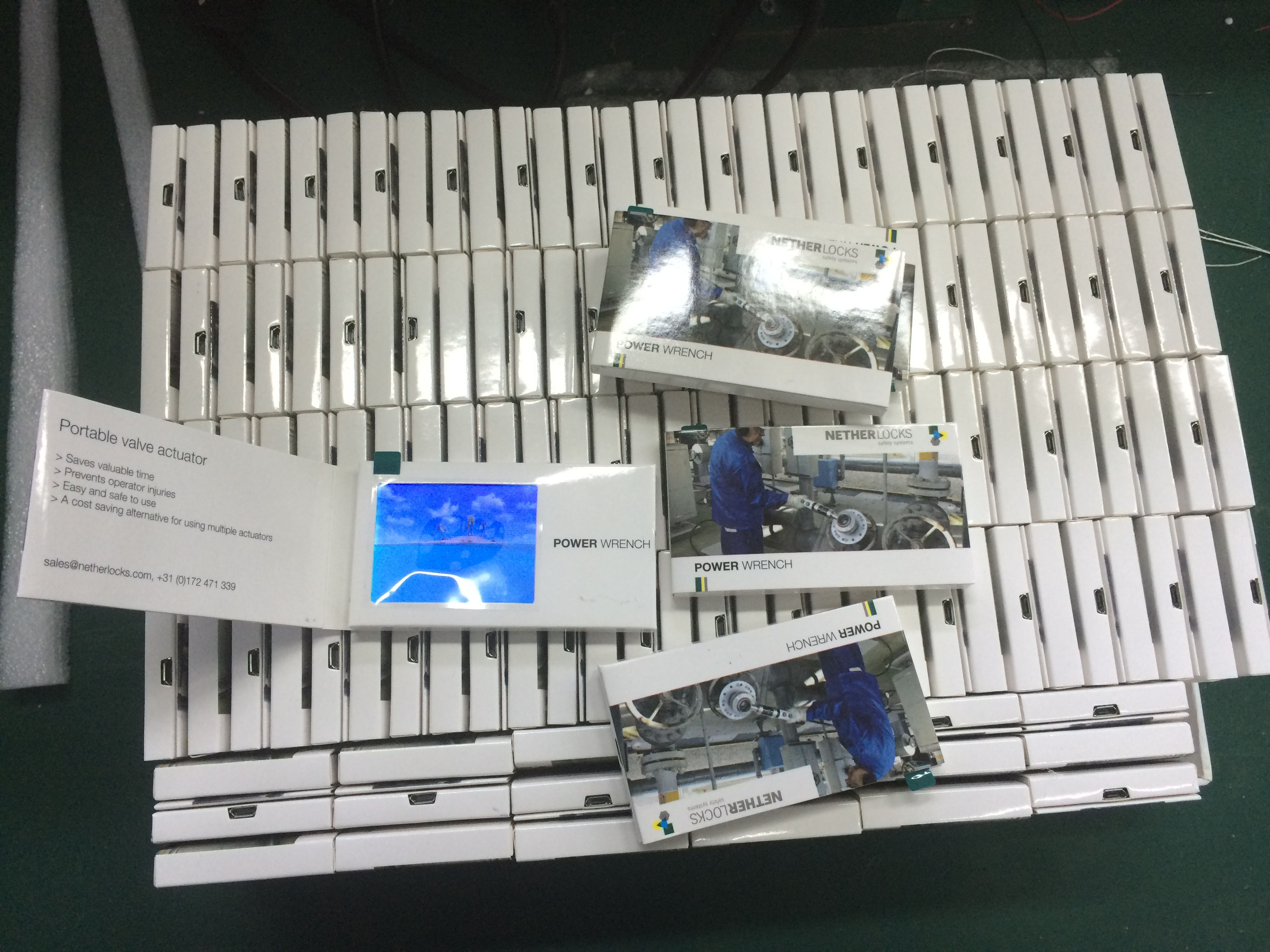 business card with lcd screen