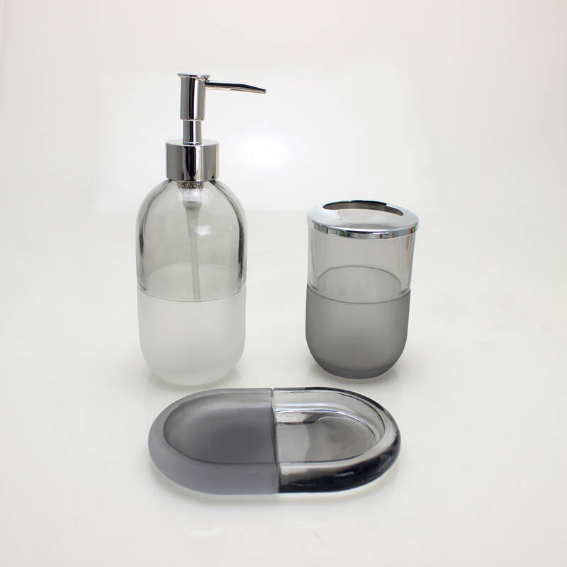 clear boston round glass bottle  liquid soap shampoo bottle with lotion pump sprayer