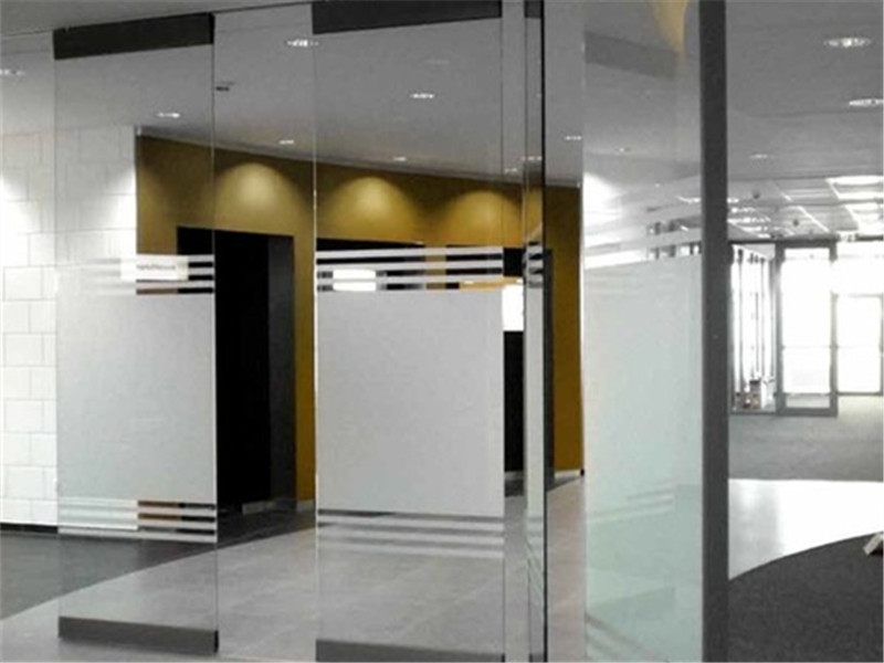 Frameless glass movable partition