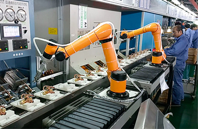 robotics arm for production line