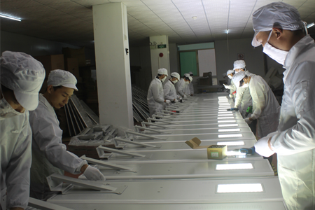 production line of solar street light manufacturer
