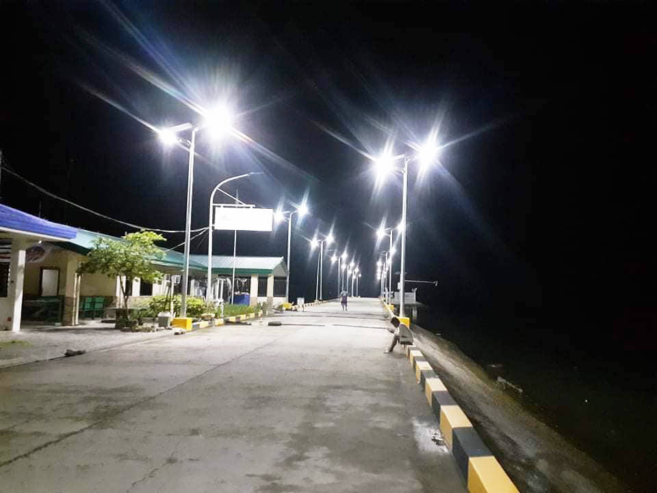 100W solar street light project in Philippine