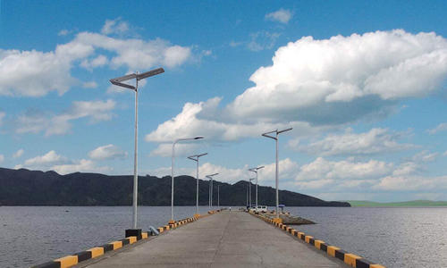 100W solar led street light project in Spanish