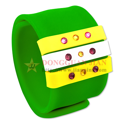 Slap Bracelet with Sliding Ring